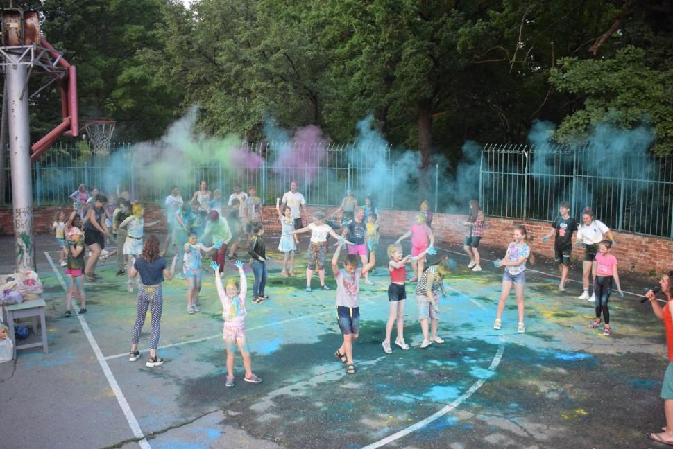 Альбом: З нагоди Дня молоді у міському парку на хвилі позитиву пройшли святкові заходи.