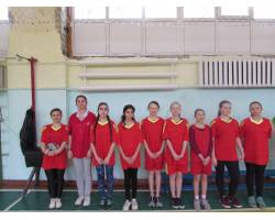 Спортивно-масові змагання з волейболу  серед збірних шкільних команд дівчат