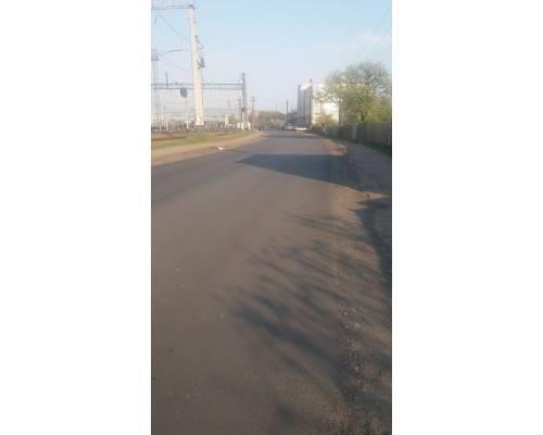 У місті Люботині продовжує відновлюватися дорожня інфраструктура.