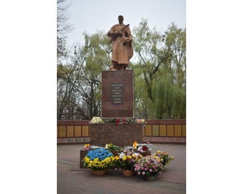 Сьогодні Україна відзначає 75 річницю із дня звільнення від нацистських загарбників.