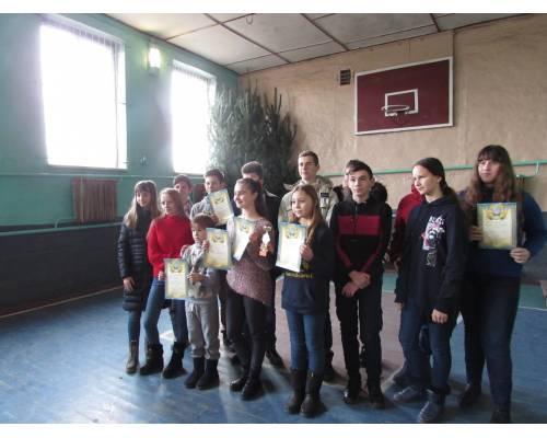 Cпортивно - масові змагання з шашок серед шкільних команд юнаків і дівчат з нагоди зимових свят
