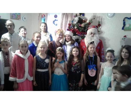 Новорічні свята у дитячій музичній школі
