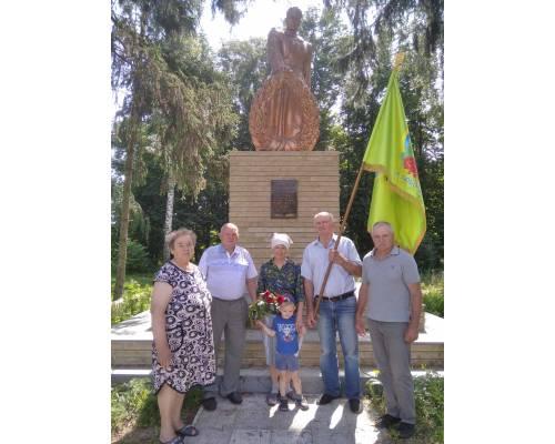 22 червня вшановуємо пам'ять жертв війни в Україні.