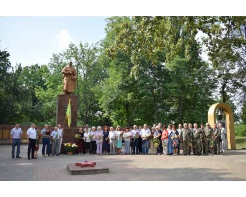 На Меморіалі Слави зібралася громадськість міста, щоб вшанувати пам\