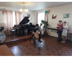 Шефський концерт для пришкільного табору
